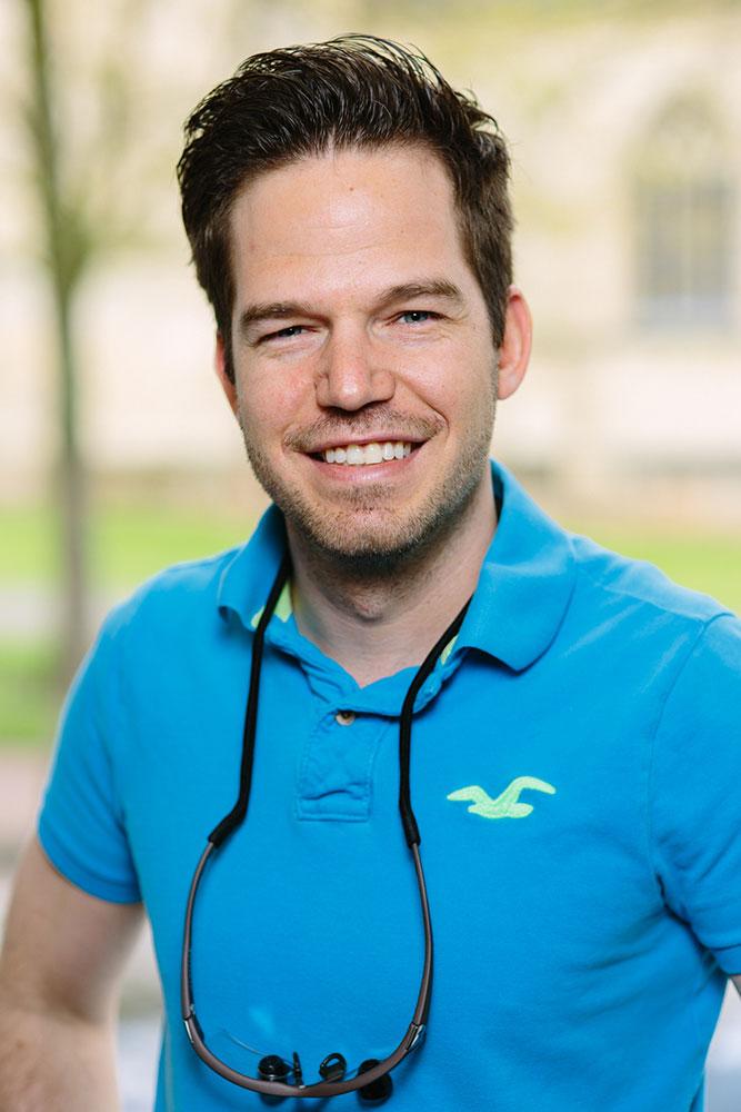 Kiefernorthopädische Praxis Dr. Andreas Hellak Spezialist und Fachzahnarzt